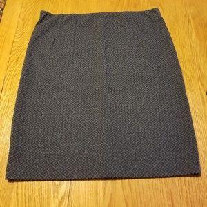 Size L gray patterned Loft skirt